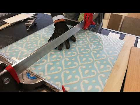 Cutting thick glass slab with manual tile cutter - Masterpiuma Tile Cutter P3 Evolution