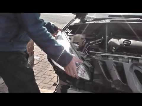 Peugeot 308 Headlight Removal Guide