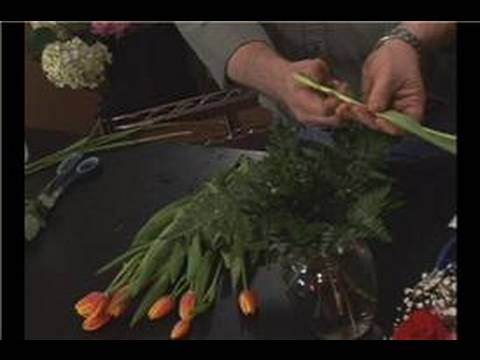 Tulip Flower Arrangements : Arranging Tulips in a Ginger Jar
