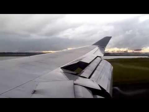 Qantas 747 QF18/AA7366 Landing in Sydney, Australia