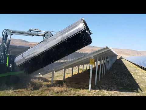 MAZAKA SOLAR PANEL CLEANING MACHINE -TEST-
