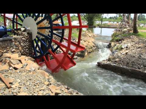 Laos. Don Khone. Water wheel generator