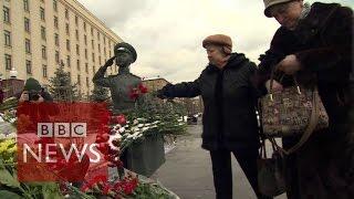 Russians respond to Turkey downing jet on Syria border - BBC News