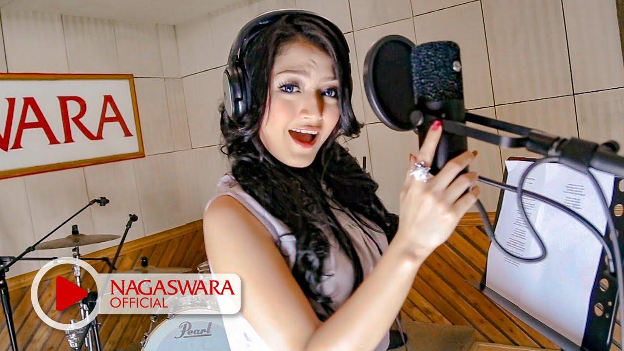 Download Siti Badriah - Melanggar Hukum MP3 Gratis