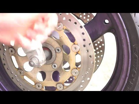 Cleaning your motorcycle's brake disk