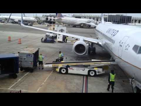 United Airlines Baggage Handlers LA Airport 5 April 2015