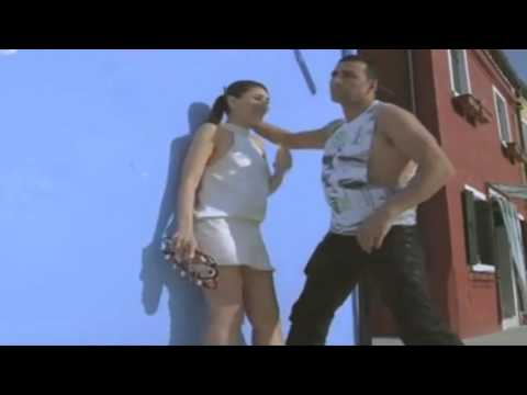 Xxx Mp4 Kareena Kapoor Hot Sexy And Almost Nude With Akshay Kumar While Shooting A Movie 3gp Sex