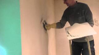 Aplication of lime plaster finish coat
