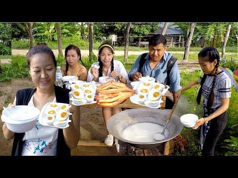 Breakfast at Koh Rokko Primary School in Pursat Province