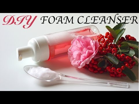 DIY Foam Facial Cleanser (Homemade Face Wash!)