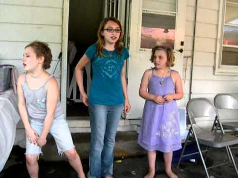 Slamming screen door Girls