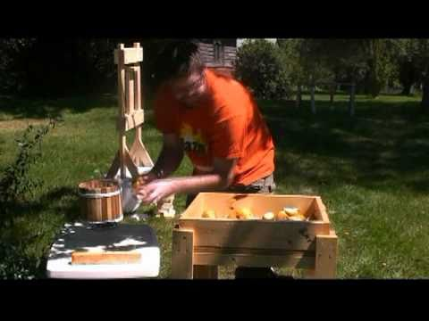 DIY Homemade Cider Press and Apple Grinder Review: Anyone can build a whizbang cider press