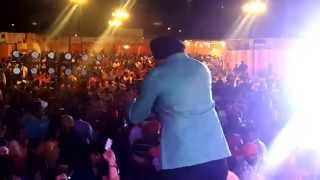 kaptan laadi live perfoming on foot tapping dancing numbers...