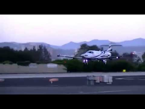 Pilatus PC-12 landing at Santa Monica airport