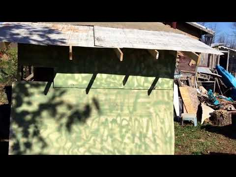 Cheap Hunting blind or Ice Shanty made from pallets