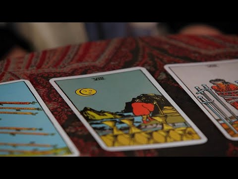 How to Read the Eights | Tarot Cards