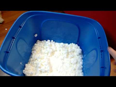 Dissolving Packing Peanuts