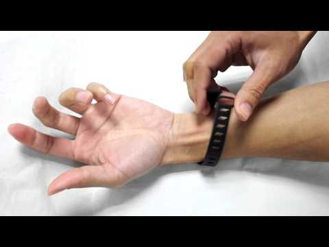 How to wear the wrist band for Fitbit One