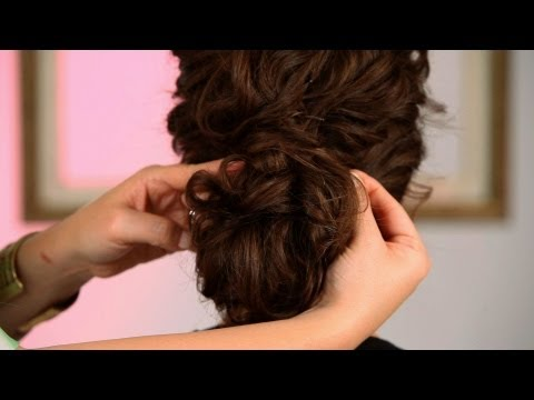How to Create a Wedding Hairstyle Pt. 2 | Curly Hairstyles