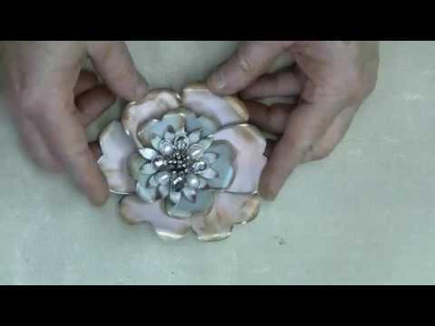 6-10 Spellbinders Media Mixage  - Making vintage metal flowers
