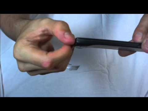 How to remove a Droid Razr battery.