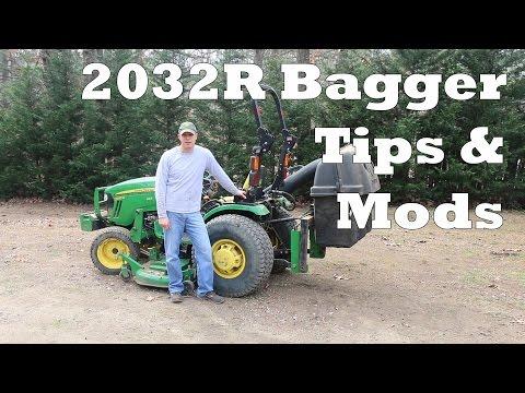 John Deere 2032R Mower Bagger Leaf Cleanup Before Overseeding