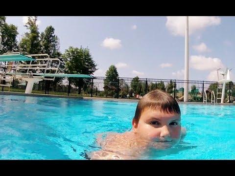 Richie Has Fun at the Pool