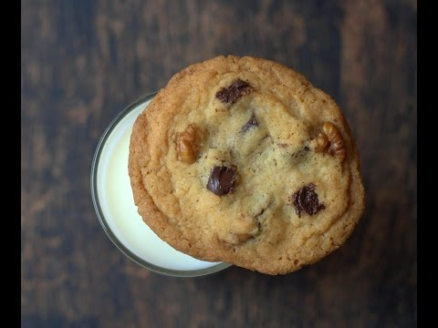 Easy Chocolate Chip Cookies - Baking In A Convection Microwave