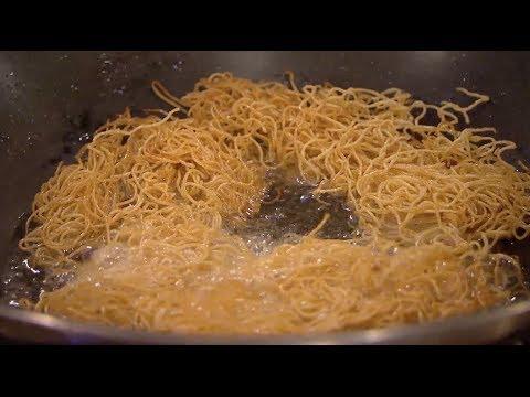 Classic Chicken Chow Mein - Ken Hom & Ching He Huang