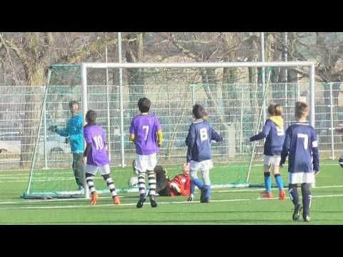 Great teamwork! Ball possession!