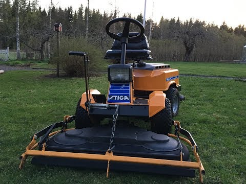 Stiga Park HST 1988 mowing the lawn 2018
