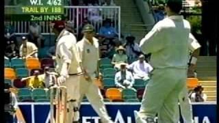 Brett Lee KILLER REVERSE SWING YORKER to Ramnaresh Sarwan 1st test 2000