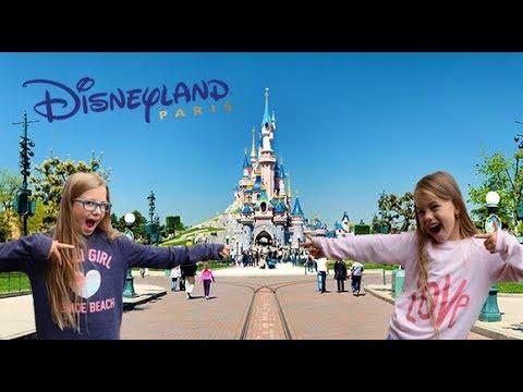 Visits in Disneyland Paris Kids walk in Disneyland Park Euro Disney Resort