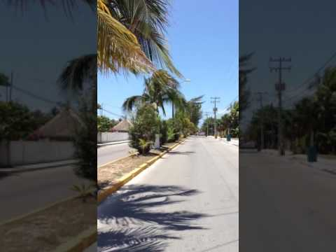 Puerto Morelos Quintana Roo. Paseo por las calles