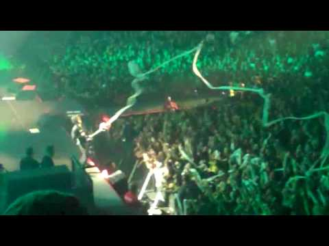 Xxx Mp4 Green Day Billie Joe TP Ing And Squiting The Crowd San Diego CA Aug 20 2009 3gp Sex