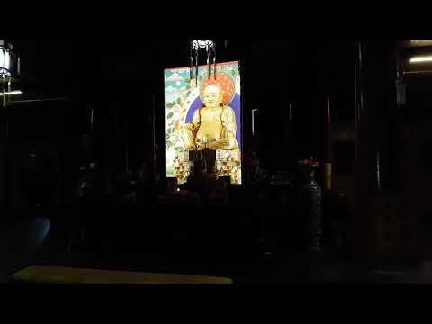 Emeishan Buddhist monestary at night