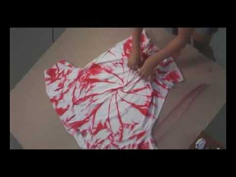 Make your own Tie-die T-shirt with Simply Spray Fabric Spray Paint