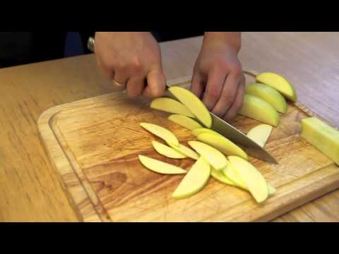 Knife Skills: How To Slice An Apple For Pies