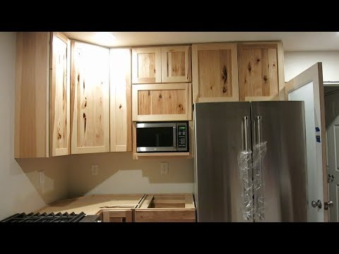 THE EASIEST WAY TO INSTALL KITCHEN CABINETS!!