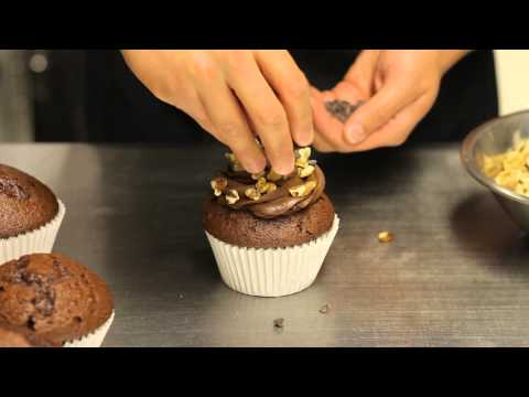 How to Make a Turtle Cupcake : Making & Decorating Cupcakes