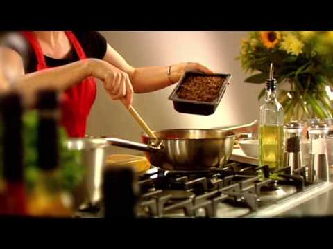 Quorn Spaghetti Bolognese Recipe with Vegetarian Mince