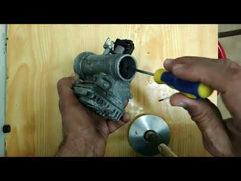 HOW  scooter VespaTO CLEAN THE THROTTLE BODY AND FUEL INJECTOR
