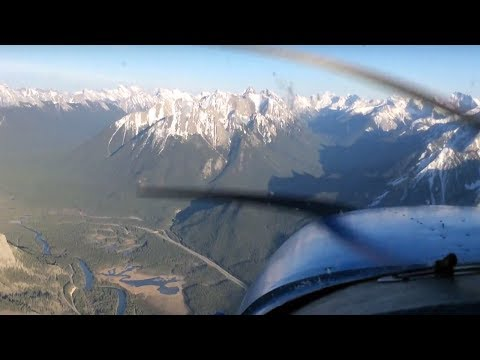 Flying in the Rocky Mountains to Banff - Calgary Flying Club