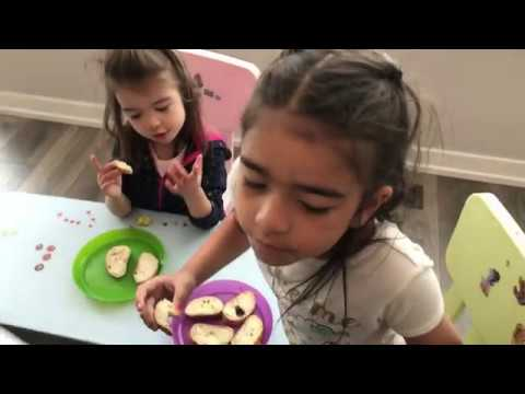 Scarlett says Happy Birthday Natalia - She Wrote a Card - Learn Colors - Enjoying Yo Gabba Gabba