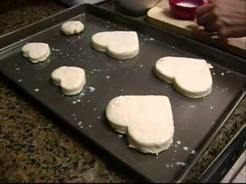 How to Make a Bisquick Valentine's Berry Shortbread