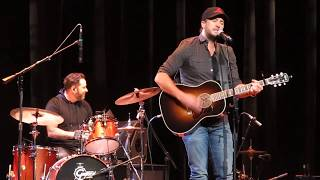 """Luke Bryan """"Most People Are Good"""" At CRS 2018"""