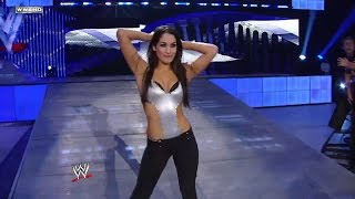 Brie Bella makes her in-ring debut against Victoria: SmackDown, Aug. 29, 2008