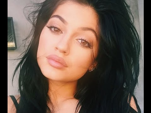 Kylie Jenner Lips - How to get Big Lips with Makeup