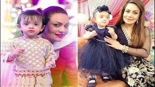 Sadia imam with her Daughter.