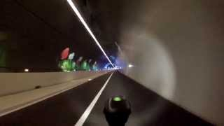 Tunnel de la croix rousse à vélo
